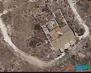 Venta de Terreno con 3 casas en el Altet