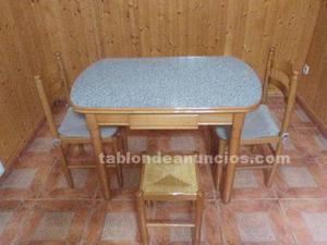 Vendo mesa de cocina y 4 sillas