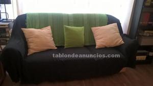 Sofa tres plazas en buen estado por solo 30 euros