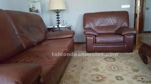Vendo conjunto de sofá-cama y 2 sillones.