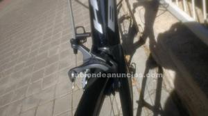 Se vende bicicleta de carretera bh quartz