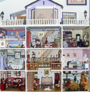 Casa de muñecas gris