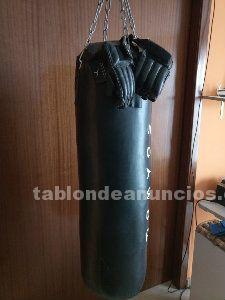 Saco boxeo, guantes y cadenas sujección