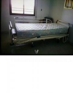 Se vende cama eléctrica articulada geriátrica hospitalaria