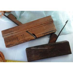 Antiguos cepillos moldureros de ebanista carpintero.