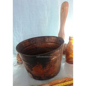 Cazo de cobre para sacar agua.