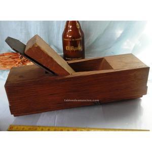 Cepillo de maestro carpintero antiguo. Goldemberg