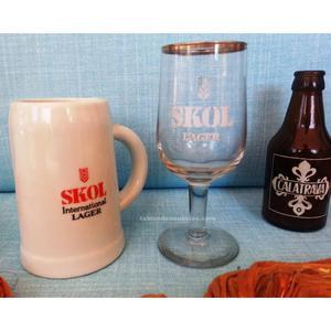 Vieja jarra y copa de cerveza skol (de colección)