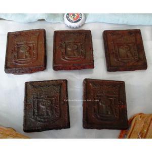 Viejos escudos de madrid hierro macizo. 5 unidades. Para