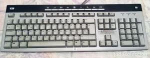 Antiguo teclado ordenador para torre marca hp
