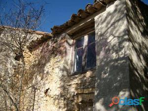 4 casas de piedra del siglo XVIII. en una parcela de 18.000