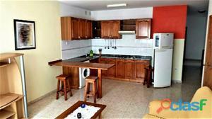 Amplio apartamento de tres dormitorios amueblado