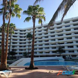 Apartamento bonito en alquiler con 5 piscinas comunitarios