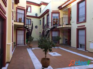 Apartamento con terraza en Castilleja de la Cuesta.
