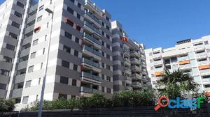 Apartamento en Playa de Gandia con garaje y piscina,