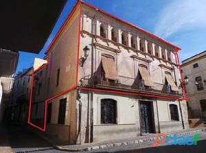 Casa Senorial del siglo XVIII. Dos casa interlazadas que dan