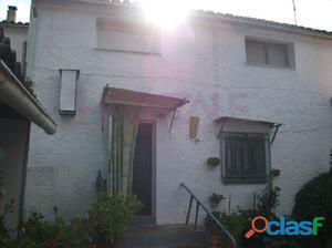 Casa de pueblo en El Rebollar con una superficie del solar