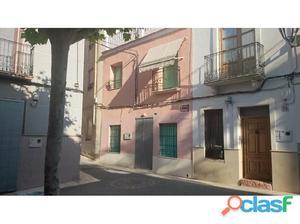Casa de pueblo en pleno centro histórico de Aspe