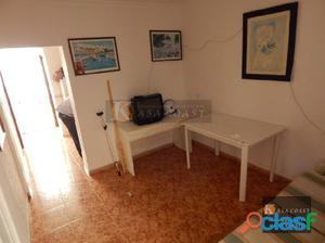 Casa en venta en Fuengirola. Céntrica y de una sola planta.