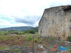 Casa pareada con parcela de 400m2 en Carasa