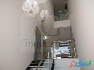 Dúplex con terraza Pertenece a Promoción de pisos, dúplex