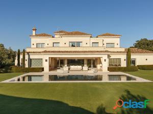 Espectacular villa en primera línea de golf del San Roque