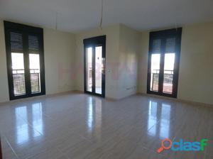 Fantástico piso de 3 dormitorios, soleado, amplio salón