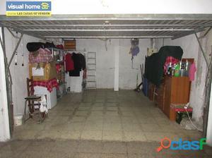 Garaje cerrado a 300 metros de la playa de Levante.