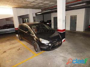 Garaje en venta en pleno centro de Fuengirola, en 1º línea