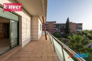 Gran Piso a Estrenar con Garaje en Urbanizacion Privada