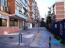 LOCAL COMERCIAL EN MADRID, ZONA CIUDAD LINEAL TRECE ROSAS!!