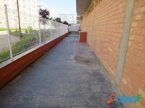 LOCAL EN ALQUILER EN VALDESPARTERA, CON TERRAZA DE 144 M2