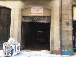 Local Comercial en Ciutat Vella, muy próximo a Las Ramblas