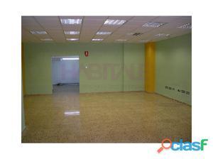Local comercial, 100 m2 en planta baja y altillo de 60 m2.