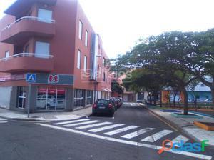 Local comercial de planta baja con acceso a pie de calle.