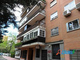 Local comercial en Alquiler, Madrid, zona de santa Eugenia,