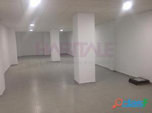 Local en venta en Alicante, totalmente reformado, con