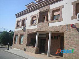 Local en venta en Valdetorres del Jarama, Madrid.