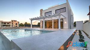 Luxury detached house brand new in Puig de Ros