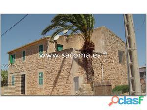 Mallorca, Santanyí, Llombards, Finca cerca del pueblo