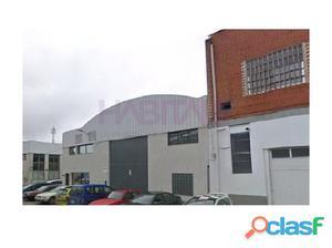 Nave Industrial situada en Villares de la Reina. Cuenta con