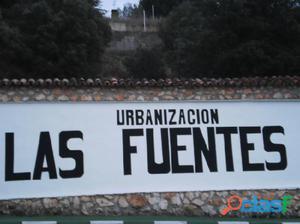 PARCELA DE 677 M/2 EN URB.LAS FUENTES EN FUENTENOVILLA CON
