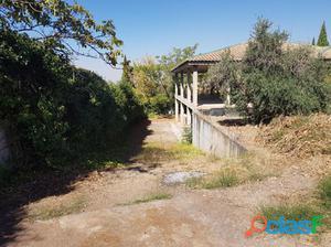 Parcela de terreno (solar) en Cájar, haciendo esquina con