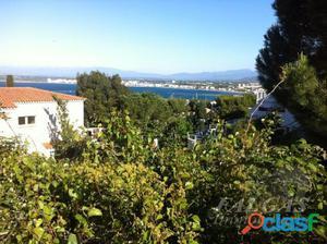 Parcela de terreno urbanizable con vistas a la Bahia de