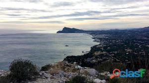 Parcela en venta en Altea con vistas al mar y sobre la costa