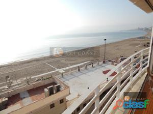 Piso en 1º línea de playa de Torreblanca en Fuengirola.