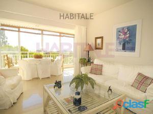 Precioso apartamento de tres habitaciones, con bonitas