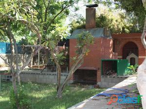 Se vende 1 chalet rustico (2 casas de invitados)