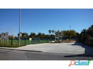 Soleado y amplio Chalet independiente con piscina, jardin y