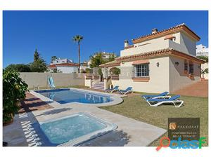 Villa independiente en venta en la zona del Coto en Mijas.